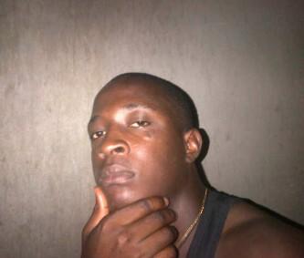 Rapper Vicmaly (Street na agba ogwu crooner repping for Igbariam)