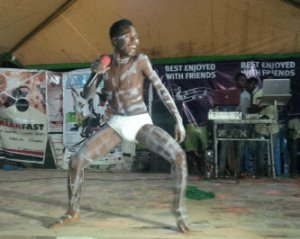 Lolz...now who can forget this guy, the fela wannabe....lwkmd